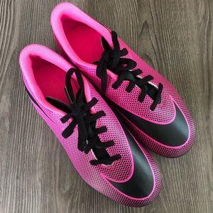 🎉HOST PICK🎉🌺Nike Girls Soccer Cleats🌺